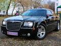 Черный Крайслер 300С на свадьбу